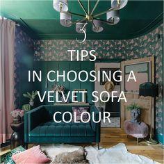 3-tips-in-choosing-a-velvet-sofa-colour Green Velvet Sofa, Yellow Sofa, Green Sofa, Dark Green Living Room, Dark Green Walls, William Morris Wallpaper, Morris Wallpapers, How To Hang Wallpaper, Wallpaper Ideas