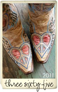 AAAHHHCCCKKKKKK!!! I am in love with these! We wore this kind of cowboy boot when I was 13..Mine were a little different but there was a peace sign stitched into them! OH wow~