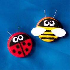 Make cute plastic bottle cap buddies. Perfect spring project! #DIY #crafts