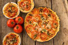 Tartă Provence - alegerea ideală pentru zilele încare nu ai prea mult timp sau energie pentru gătit, dar vrei să îi servești pe cei dragi cu ceva delicios!