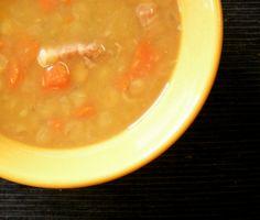 Recette de soupe aux pois. Tellement réconfortant. Par lavietoutsimplement.com
