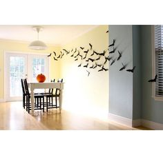 Nice DIY Halloween Decor ideas!! look at those bats !