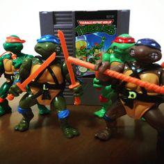 On instagram by gameplayado #famicom #microhobbit (o) http://ift.tt/1QK14DI nivel hard!!! #tmnt #teenagemutantninjatutles #turtle #ninja #nintendo #nintendinho #nes #classic #videogame #videogamecolector #vintage #vintagegame #80s #8bits #8bit #leonardo #donatello #michelangelo #raphael #goninjagoninjago