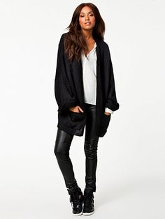 comfy outfit for fall, love it