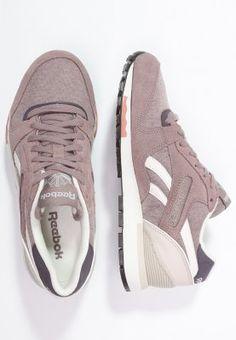 Dieser Sneaker betont deine sportliche Seite. Reebok Classic GL 6000 - Sneaker low - sand taupe/moon white/urban plum/rustic clay für 89,95 € (29.03.16) versandkostenfrei bei Zalando bestellen.