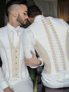 Stylish Mens Outfits, Casual Outfits, Men Casual, Desi Wedding Dresses, Wedding Suits, Indian Men Fashion, Mens Fashion, Look Formal, Kinds Of Clothes