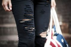 Yara Michels (blogger) - This chick's got style (blog) - Chapter Friday (blog) - Ripped Jeans