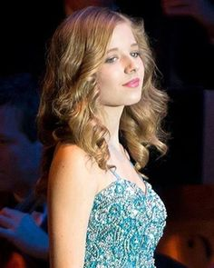 Jackie Evancho - Already mature well beyond her years I Movie, Movie Stars, Jackie Evancho, Song Artists, Music Pictures, Famous Singers, Portrait Poses, Songs To Sing, America's Got Talent