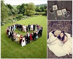 I would like a picture of the wedding party like this, in a heart and not the usual all squashed together if possible