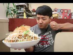 The MASSIVE Pad Thai Noodle Challenge!