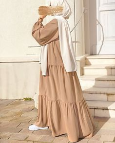 Modest Outfits Muslim, Eid Outfits, Couple Outfits, Teen Fashion Outfits, Classy Outfits, Estilo Abaya, Moslem Fashion, Abaya Fashion, Comfortable Outfits