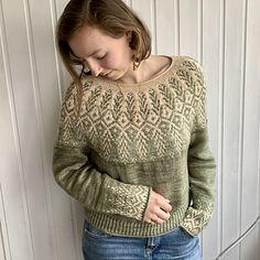 Ravelry: Goldwing pattern by Jennifer Steingass Crochet Cardigan, Knit Crochet, Color Switch, Dk Weight Yarn, Stockinette, Needles Sizes, Knitting Patterns, Knitting Ideas, Wool Sweaters