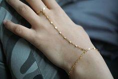 Hand Chain Bracelet Gold Shinny Chain Finger Bracelet Hand