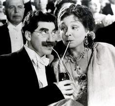 Groucho Marx e Margaret Dumont, Cola per due