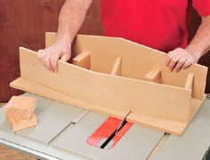 Table Saws How to Build a Table Saw Dovetail Joint Sled Jig - Free Woodworking Plans - Dovetails are an extremely popular joint, but hand cutting them is time consuming, this jig will help cut perfect dovetails quickly on your table saw. Jet Woodworking Tools, Woodworking Jigsaw, Woodworking School, Rockler Woodworking, Woodworking Workshop, Woodworking Furniture, Woodworking Projects, Woodworking Courses, Woodworking Inspiration