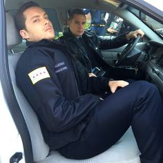 Chicago P.D. | Jesse Lee Soffer (Halstead) and Brian Geraghty (Roman)