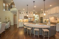 More ideas below: Rustic Large Kitchen Layout Design Farmhouse Large Kitchen Window Luxury Large Kitchen Island and Rug Modern Large Kitchen Decor Ideas Large Kitchen Floor Plans Remodel Round Kitchen Island, Kitchen Islands, Kitchen Island Shapes, Craftsman Kitchen, New House Plans, Kitchen On A Budget, Beautiful Kitchens, Home Kitchens, Rustic Kitchens