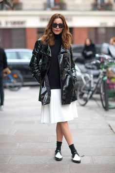 Need some fashion inspiration? We give you the best street style looks.