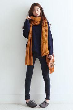 Estos outfits para el frío están a la moda este invierno.    Outfits casuales juvenil invierno   Moda femenina invierno   Bufandas y Suéteres para el frío.   #outfits #invierno