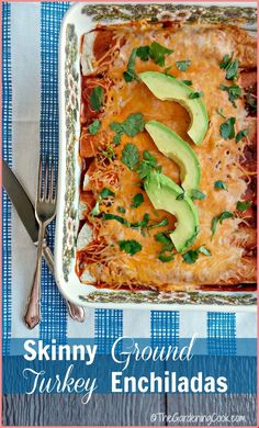 These skinny ground turkey enchiladas are full of Mexican flavor and so much lower in calories than normal enchiladas. They are super easy to make too. Healthy Cooking, Healthy Eating, Cooking Recipes, Healthy Recipes, Cookbook Recipes, Mexican Food Recipes, Dinner Recipes, Ethnic Recipes, Mexican Dishes