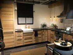 Mooie kleuren keuken hout met zwart ikea