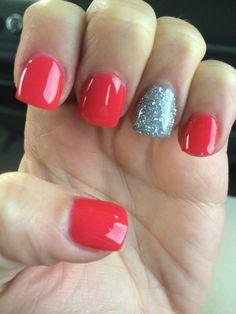 Anc dip acryllic powder. Strawberry daiquiri with accent nail diamond.