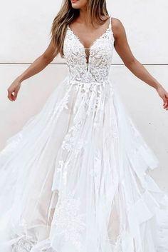 Slim Wedding Dresses, Cute Wedding Dress, Applique Wedding Dress, Applique Dress, Tulle Wedding, Wedding Gowns, Wedding Dress Styles, Mermaid Wedding, Fairy Wedding Dress