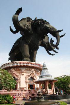 พิพิธภัณฑ์ช้างเอราวัณ THAILAND