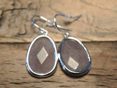 Earrings mauve stone Buy now at www.trendsandstyle.nl
