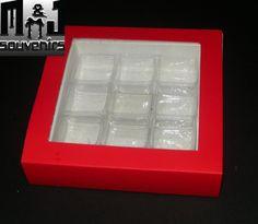 Cajas para dulces,  bombones, etc Materiales: cartulina., acetato