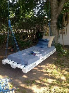If you are looking for Diy Projects Pallet Swings Design Ideas, You come to the right place. Below are the Diy Projects Pallet Swings Design Idea. Pallet Swing Beds, Pallet Swings, Pallet Porch, Backyard Trampoline, Swing Design, Garden Canopy, Diy Porch, Diy Pallet Projects, Pallet Furniture