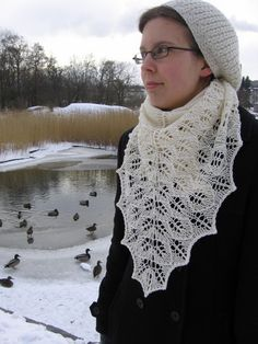 Ravelry: Lumi pattern by Suvi Heikkilä FREE Shawl Patterns, Knitting Patterns, Lace Knitting, Knit Crochet, Knitted Shawls, Ravelry, Sewing Crafts, Free Pattern, Scarfs