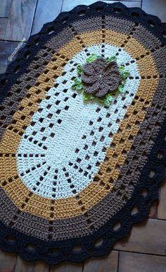 Crochet Doily Diagram, Crochet Doilies, Crochet Yarn, Crochet Table Mat, T Shirt Yarn, Crochet Projects, Blanket, Carpet Colors, Knitted Rug