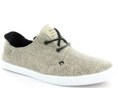 Beige met zwarte sneakers van Hub Shoes. Model: Kyoto €84,95 #hub #hubshoes #sneakers