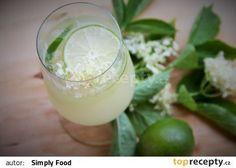 Jemně perlivá bezinková limonáda recept - TopRecepty.cz Glass Of Milk, Drinks, Food, Syrup, Drinking, Beverages, Essen, Drink, Meals