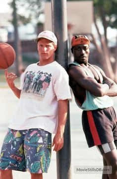 A gallery of White Men Can't Jump publicity stills and other photos. Featuring Woody Harrelson, Rosie Perez, Wesley Snipes, Tyra Ferrell and. Great Movies To Watch, Wesley Snipes, Basketball Pictures, Film Inspiration, Vintage Trends, Poses For Men, Cult Movies, Video Film, White Man