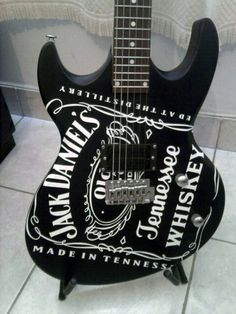 Jack Daniels and guitars! Two of my favorite things. Jack Daniels Bottle, Jack Daniels Whiskey, Rock N Roll, Whiskey Girl, Bourbon Whiskey, Gentleman Jack, Tennessee Whiskey, Guitar Design, Cool Guitar