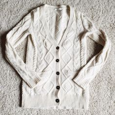 Madewell Diamond Stitch Cardigan Perfect condition. No pilling. A top rated Madewell style. So cozy! Madewell Sweaters Cardigans