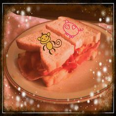 My special ultra awesome secret recipe BabyMay sammich. I been making this for 5 years now. Made this one for Anthony ^_^  He loved it ofcourse =D