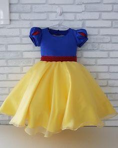 Disney Dresses For Girls, Dresses Kids Girl, Snow White Costume, Snow White Disney, Amelia Dress, Disney Costumes, Baby Disney, Disney Style, Halloween Costumes For Kids