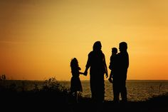 family silhouette, family photography