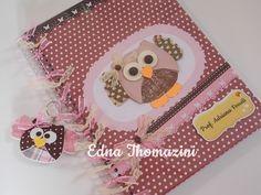 Caderno Coruja | Ateliê Edna Thomazini Lunch Box, Crafts, Notes, Custom Notebooks, Decorated Notebooks, Pencil Cases, Cartonnage, Owl Bird, Manualidades