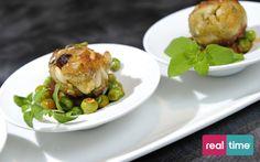 Real Time è: Cucina Con Ale con Alessandro Borghese. Polpette di sarde. Guarda la ricetta su www.realtimetv.it/web/cucina-con-ale