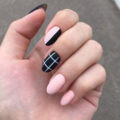 Semi-permanent varnish, false nails, patches: which manicure to choose? - My Nails Round Nail Designs, Short Nail Designs, Acrylic Nail Designs, Almond Acrylic Nails, Best Acrylic Nails, Fall Almond Nails, Nail Swag, Stylish Nails, Trendy Nails