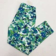 Forever 21 Floral Pants Brand new with tag floral pants. Too big for me! Forever 21 Pants