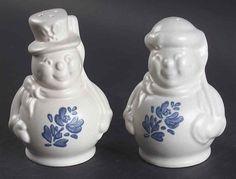 Pfaltzgraff YORKTOWNE (MADE IN USA) Snow People Salt & Pepper