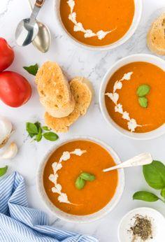 Curried Lentil Soup, Lentil Soup Recipes, Lentil Curry, Easy Soup Recipes, Dinner Recipes, Pumpkin And Ginger Soup, Easy Indian Curries, Vegetable Noodle Soup, Salad