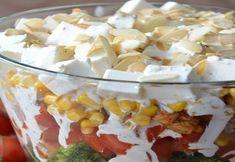 Sałatka warstwowa z brokułem i kurczakiem – to sałatka, która pokochacie od pierwszego kęsa! My ją wręcz uwielbiamy 🙂 Sprawdzi się idealnie na wszelkiego rodzaju imprezy, czy kolację. Połączenie brokuła z kurczakiem i przepysznym domowym sosem czosnkowym to strzał w dziesiątkę, a całość uwieńczona uprażonymi migdałami sprawia, że sałatka ta smakuje jeszcze lepiej! Więcej przepisów […] Feta, Vegetables, Veggie Food, Vegetable Recipes, Veggies