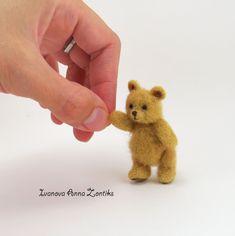 Needle felted bear teddy bear toy tiny felted bear animals for dollhouse cute bear toy bear miniature Winnie-the-Pooh Blythe Winnie Steiff Teddy Bear, Knitted Teddy Bear, Teddy Bear Toys, Small Teddy Bears, Cute Teddy Bears, Winnie The Pooh, Teddy Bear Sewing Pattern, Bear Felt, Tiny Teddies