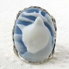 """My """"something blue"""", and a way to include our kitties. Calla Lily Cat Blue Cameo Ring. #CupcakeDreamWedding"""